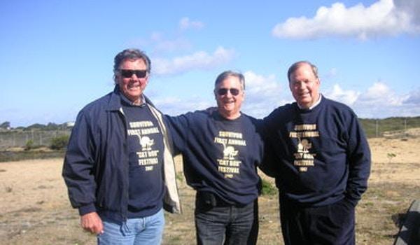 Bill & Friends At The Cat Box T-Shirt Photo
