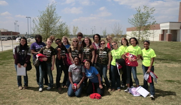 Lhs Student Athletic Trainers T-Shirt Photo