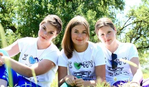 I <3 My B.B.S.K. (Best. Bud(Friend). Since. Kindergarten.) T-Shirt Photo
