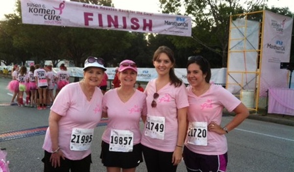 Bennett Design Group Pink Ribbon Walk Houston T-Shirt Photo