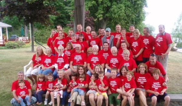Hoop N Holler Family Reunion T-Shirt Photo