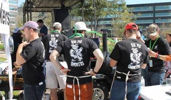 Rig Pig Smokers Bbq Team T-Shirt Photo