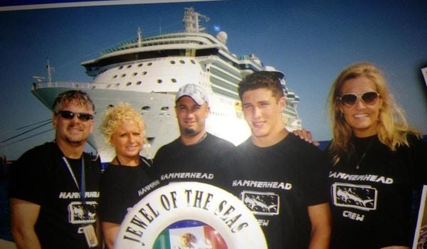 Hammerhead Crew Cruise To Cozumel T-Shirt Photo