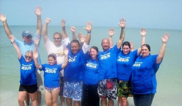 Happy Beachgoers T-Shirt Photo