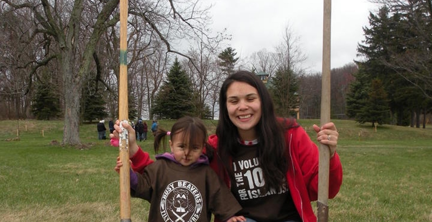 """""""Busy Beavers"""" Volunteer For The Trees! T-Shirt Photo"""