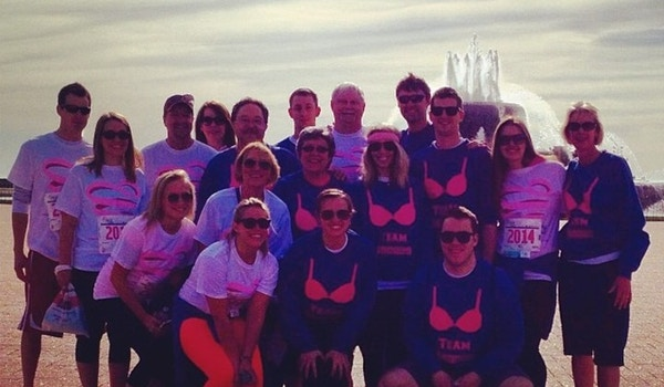 """The Brubaker's Participate In Susan G. Komen's Breast Cancer """"Race For The Cure"""" As Team Broobs In Chicagon, May 11, 2014. T-Shirt Photo"""