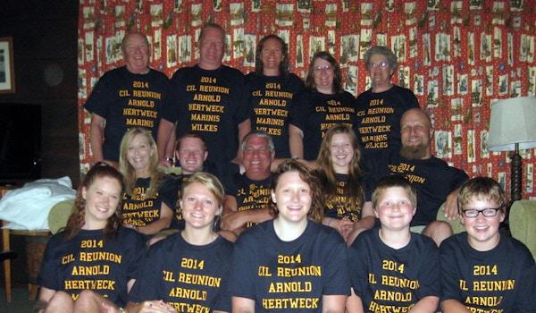 Cil Reunion T-Shirt Photo