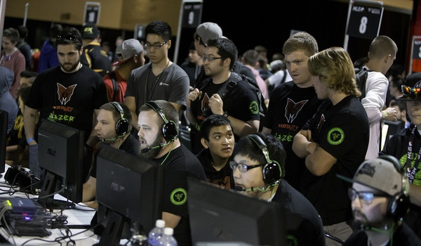 Call Of Duty Teams At Mlg Anaheim Day 1 T-Shirt Photo