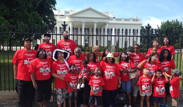 Hmmbb Family Reunion (White House Pic) T-Shirt Photo
