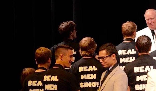 Real Men Sing ! T-Shirt Photo