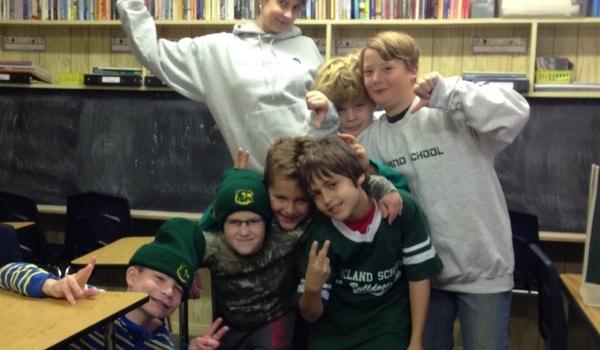 Oakland School Loves To Show Their School Spirit! T-Shirt Photo