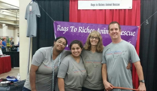 Team Rags To Riches Animal Rescue  T-Shirt Photo