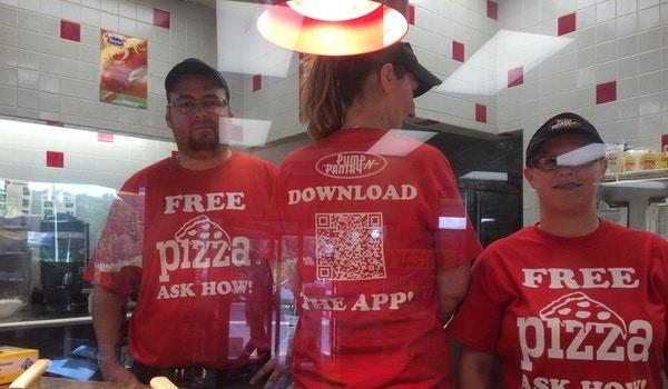 Free Pizza! T-Shirt Photo