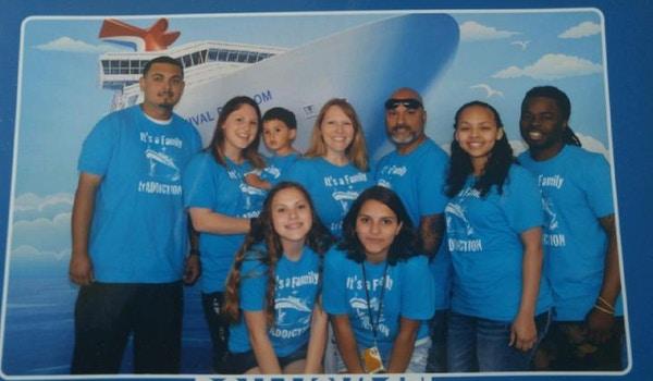 It's A Family...Tr Addiction! T-Shirt Photo