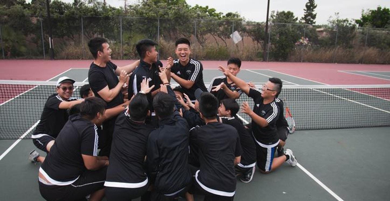 Ybhs Tennis Team 2015 2016 T-Shirt Photo