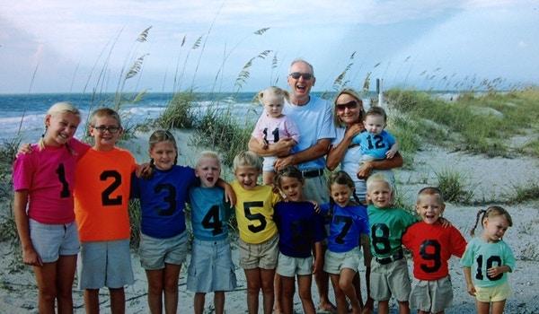 12 Grandkids With Grandparents T-Shirt Photo