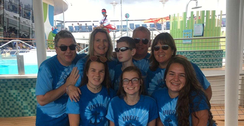 Fanders Family Cruising T-Shirt Photo