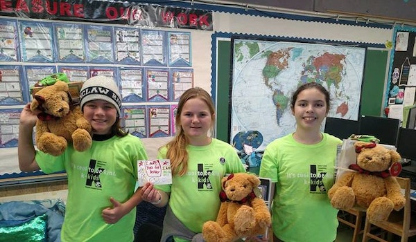 K Kids Bears, Books And Blankets Project T-Shirt Photo
