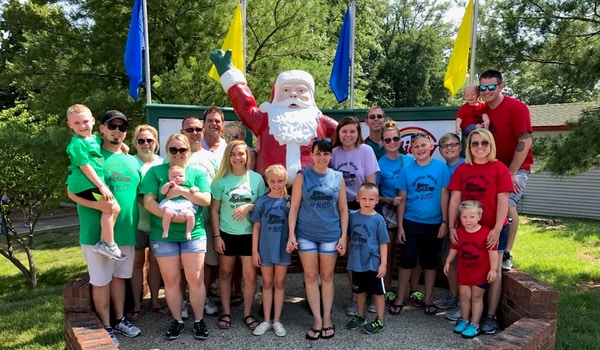 Holiday World Or Bust  T-Shirt Photo