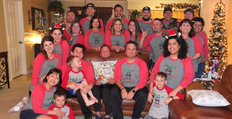 Mo Lo Christmas 2018 T-Shirt Photo