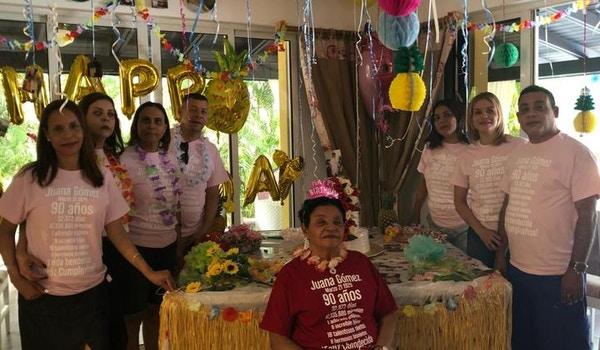 The Amazing Family Photo  T-Shirt Photo