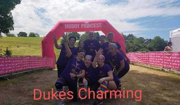Dukes Charming Chicks T-Shirt Photo