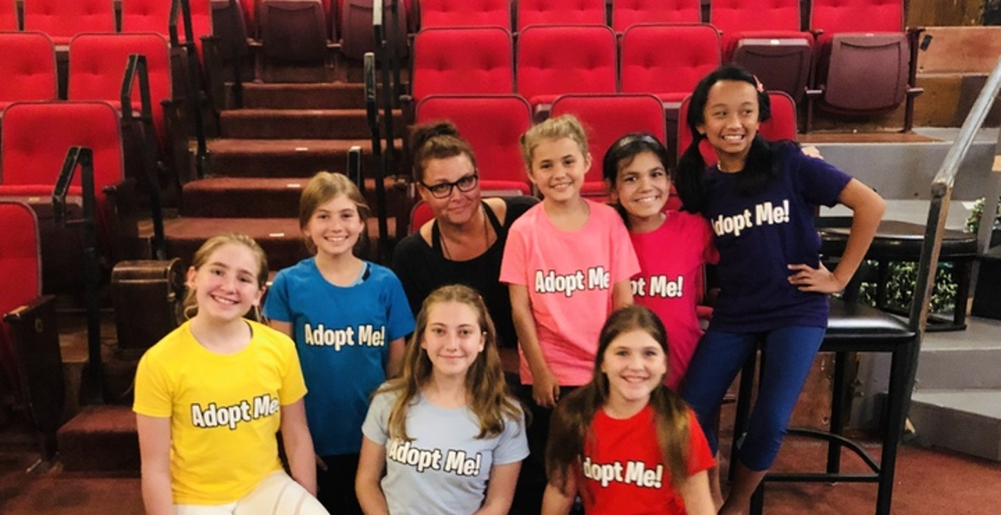 The Orphan Cast Of Annie In Their Custom Ink T Shirts T-Shirt Photo
