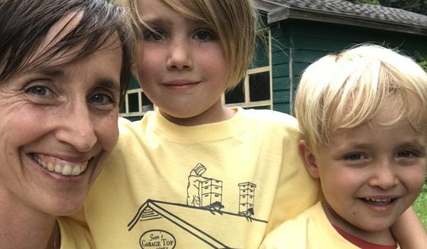 Sven's Garage Top Honey T-Shirt Photo