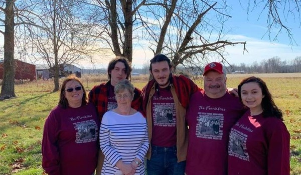 The Franklins Christmas T-Shirt Photo