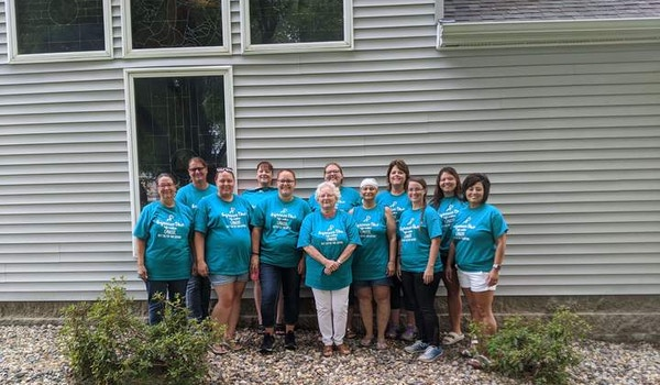 Team Laurie's Fight Against Ovarian Cancer T-Shirt Photo
