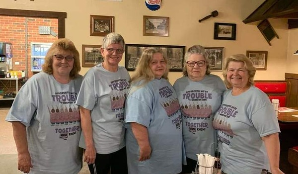 Sisters Forever T-Shirt Photo